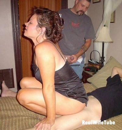 Amateur Wife Sharing Neighbor