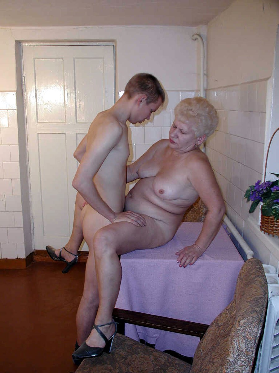 Granny and boy son porn pictures, little school girl blow job bj