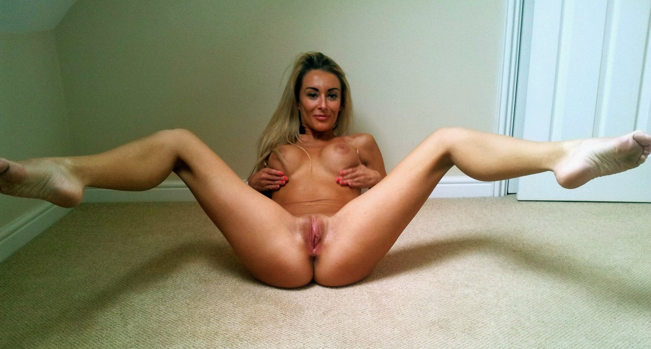 With spread women amateur their legs