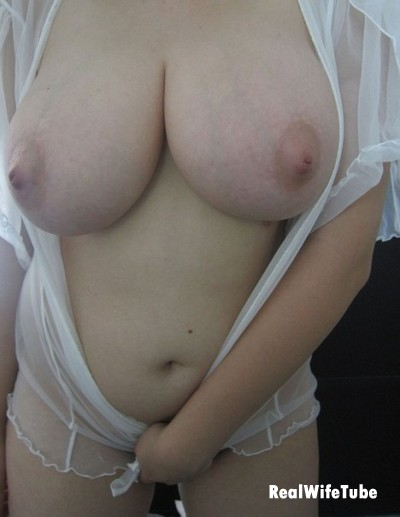 Rate wife boobs